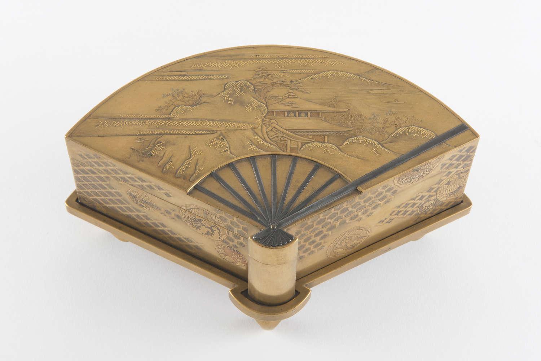 JAPANESE GOLD LACQUER MEIJI TEBAKO