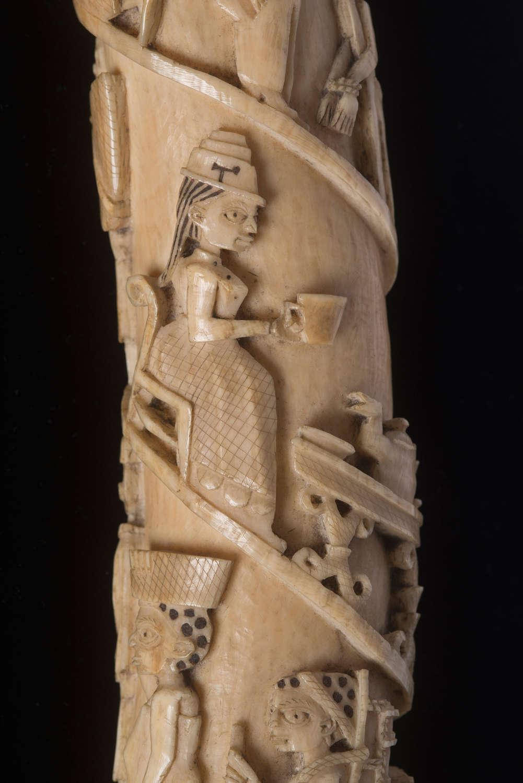 Loango carving